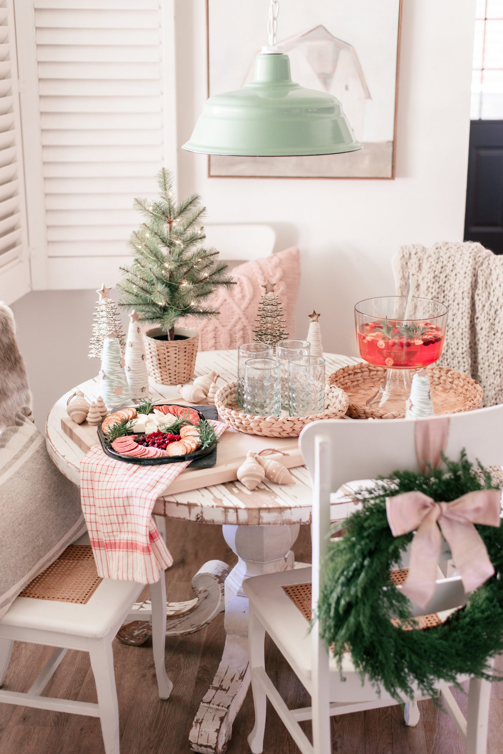 Easy Holiday Hosting Ideas with Hillshire® Snacking & Albertsons