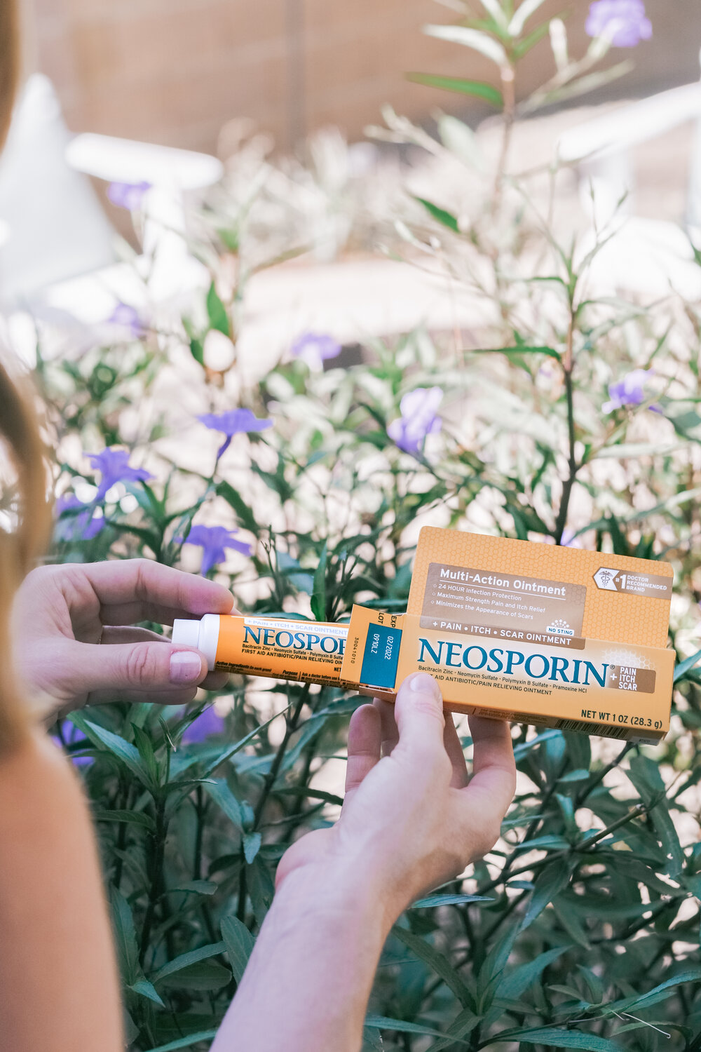 Neosporin® Pain/Itch/Scar Cream by Top Phoenix life and style blog Love and Specs